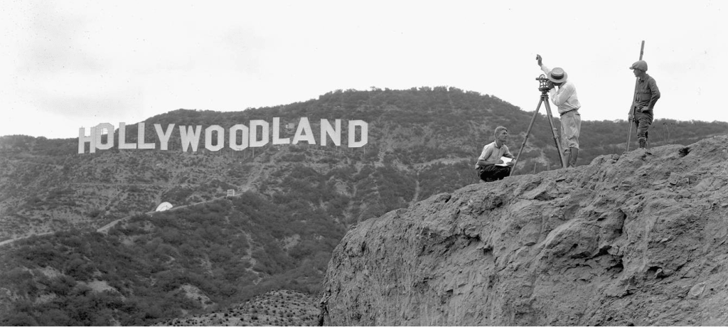 Hollywood-Sign-Construction-1024x460