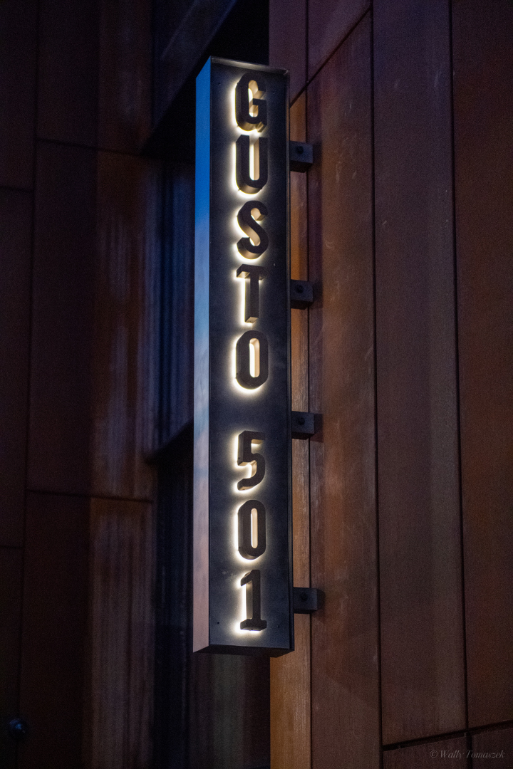 Gusto 501 signs by Signarama Toronto