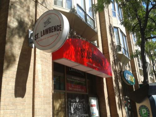 St. Lawrence Condos - awning and blade sign-2-min