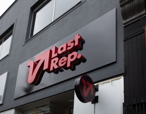 V last rep gym storefront sign by signarama toronto